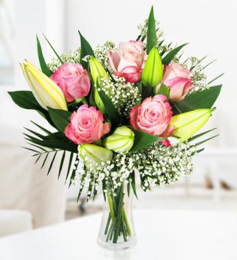 Why should you choose seasonal flowers?