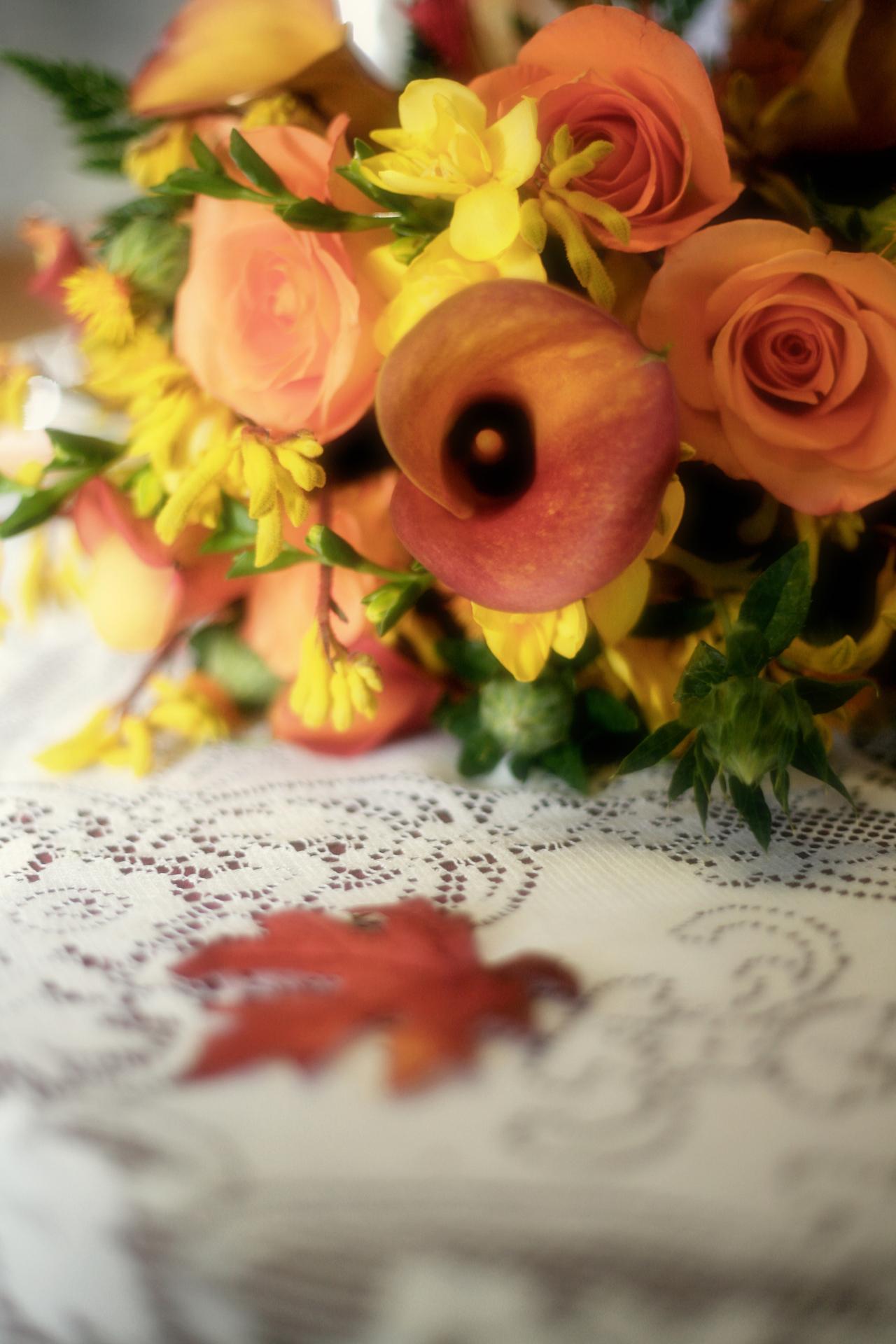 A simple yet stunning autumn centrepiece