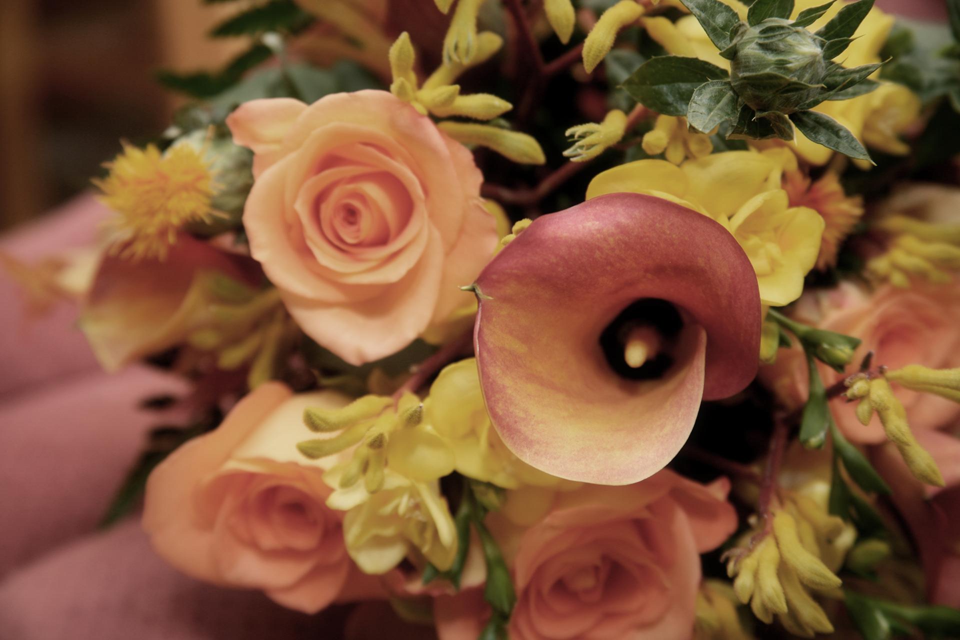 October wedding flowers