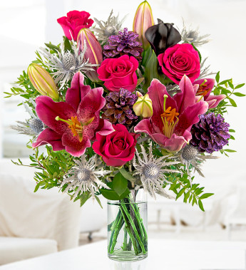 Send flowers to your customers this Christmas