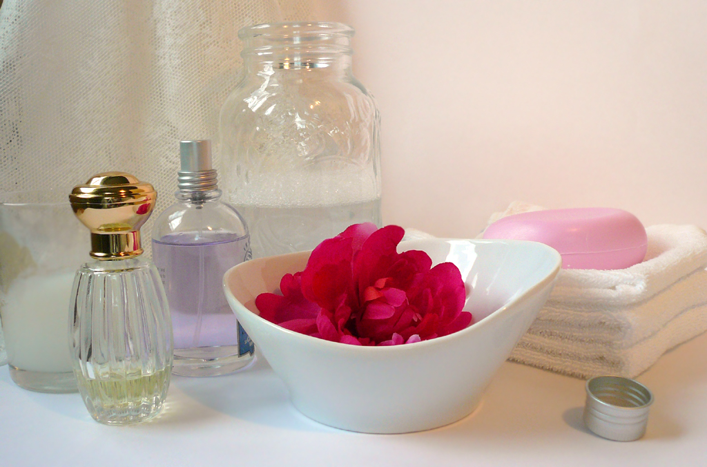 How to make a soothing flower bath