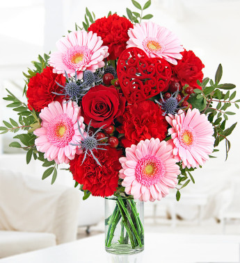 Suitable Valentine's Day flowers for coworkers
