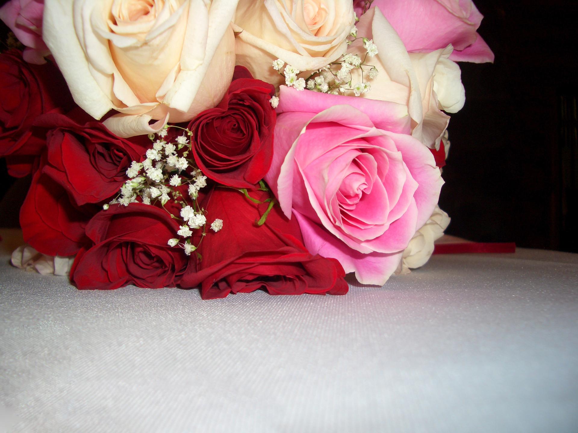 Easy Valentine's Day centrepiece