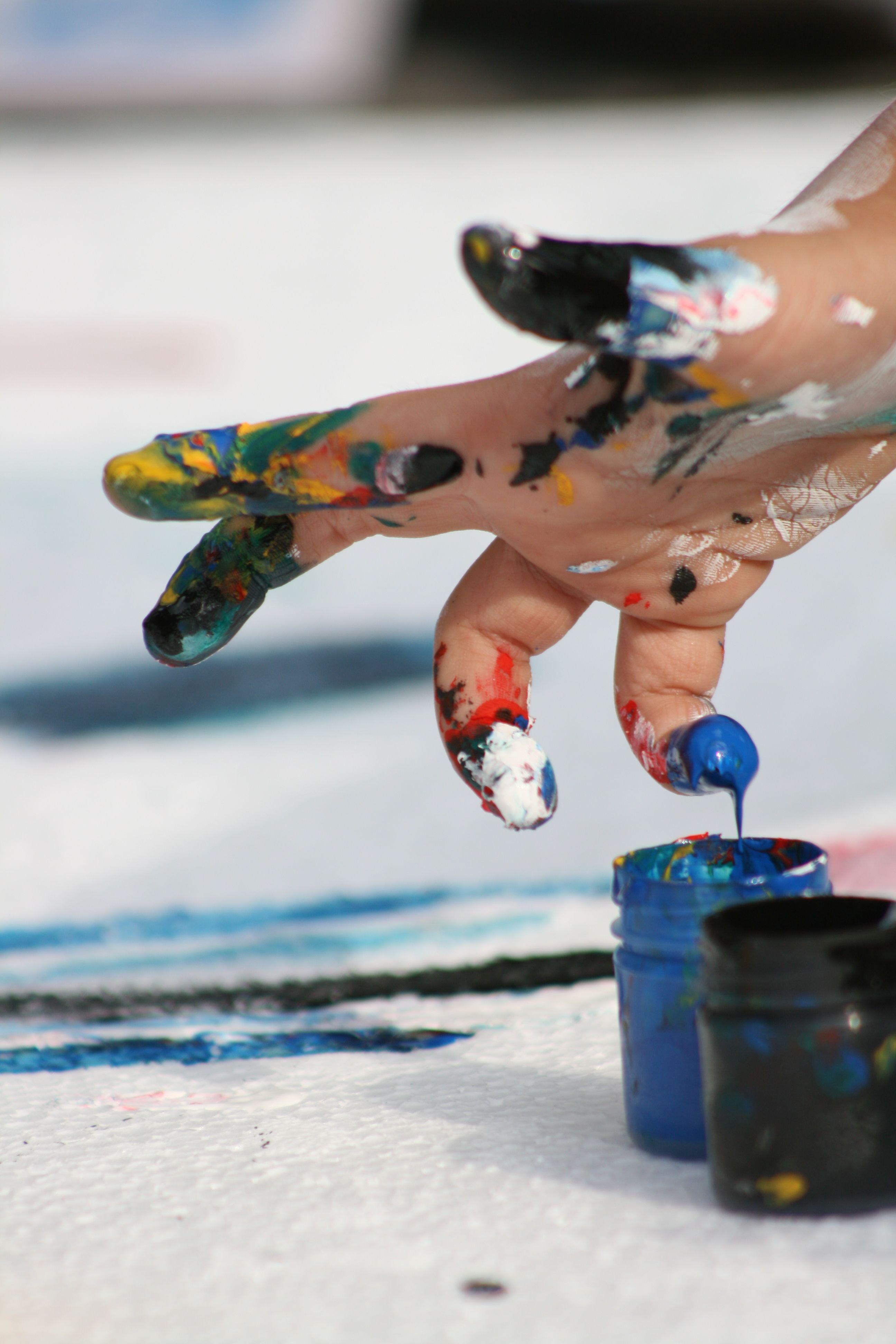 Finger painting flower crafts for kids