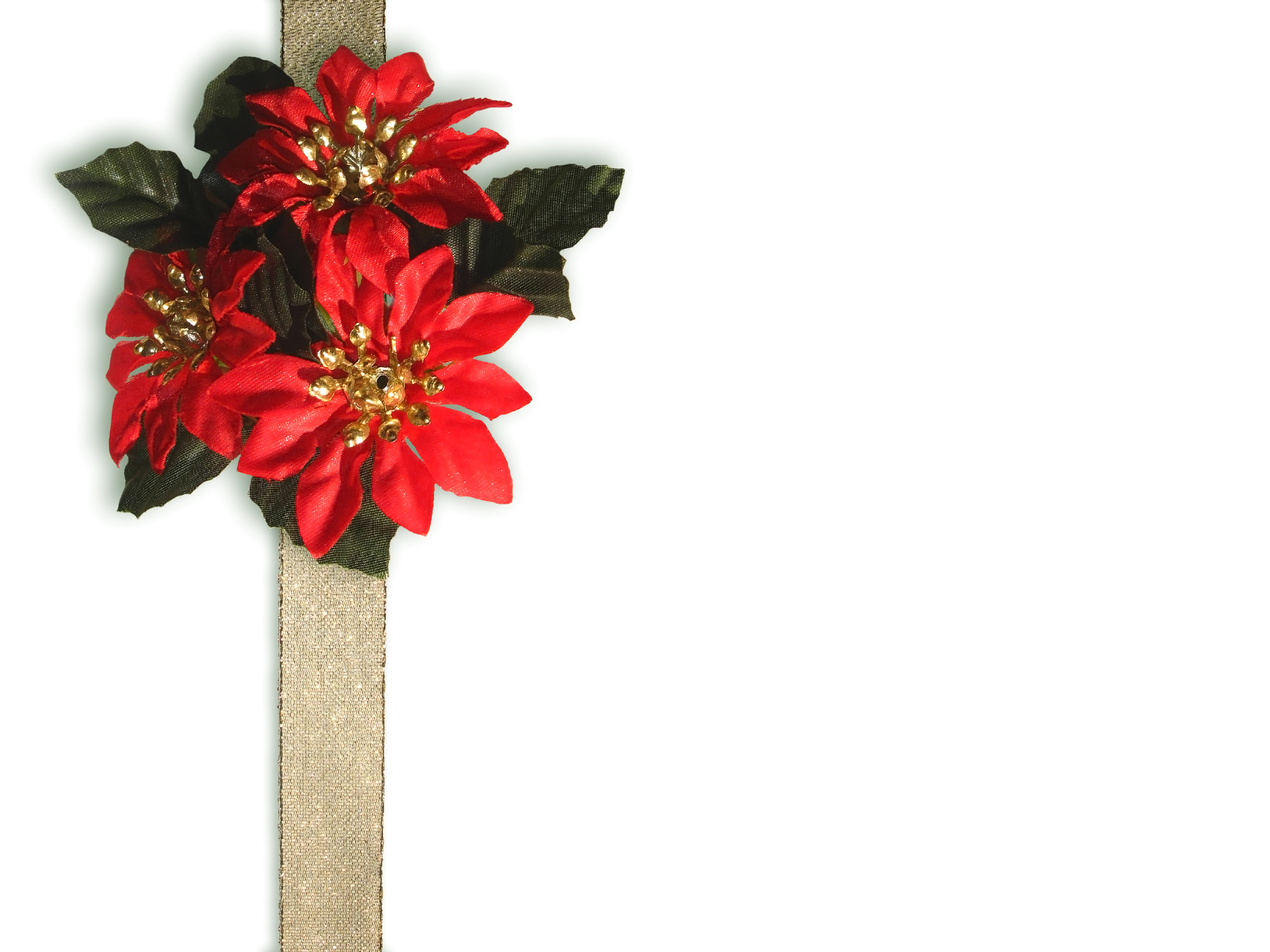 Decorate Christmas gifts with flowers