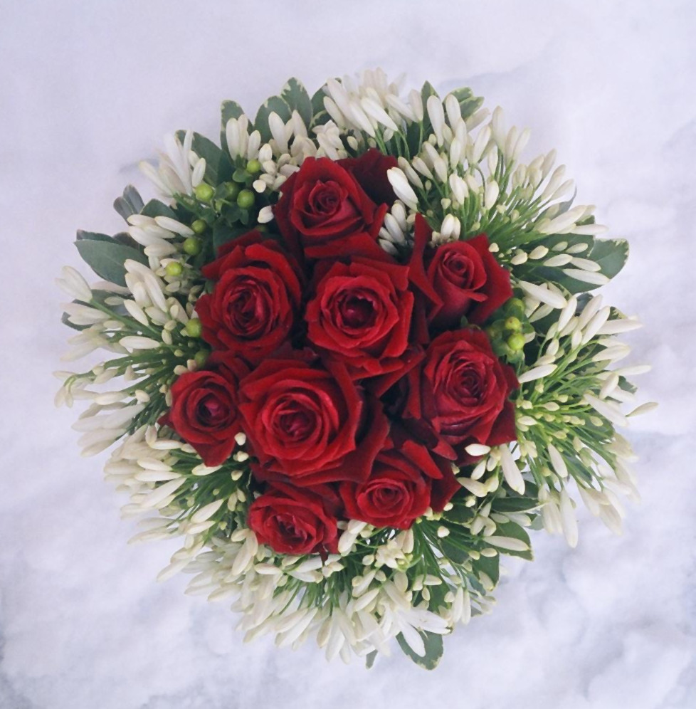 Sending corporate flower gifts for Christmas