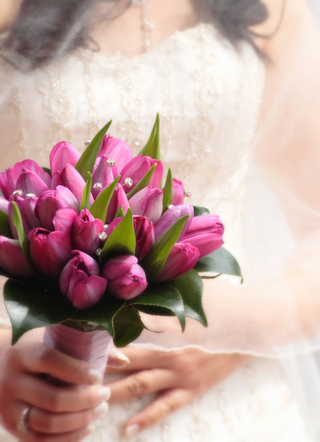 Your bridal bouquet – to toss or not to toss