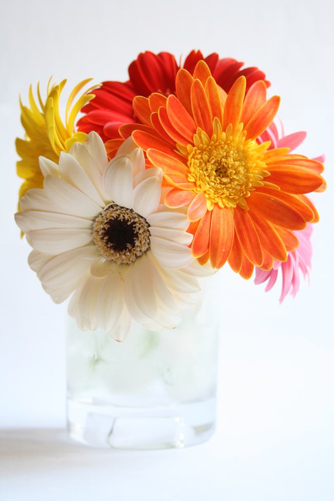 Short flower arrangement