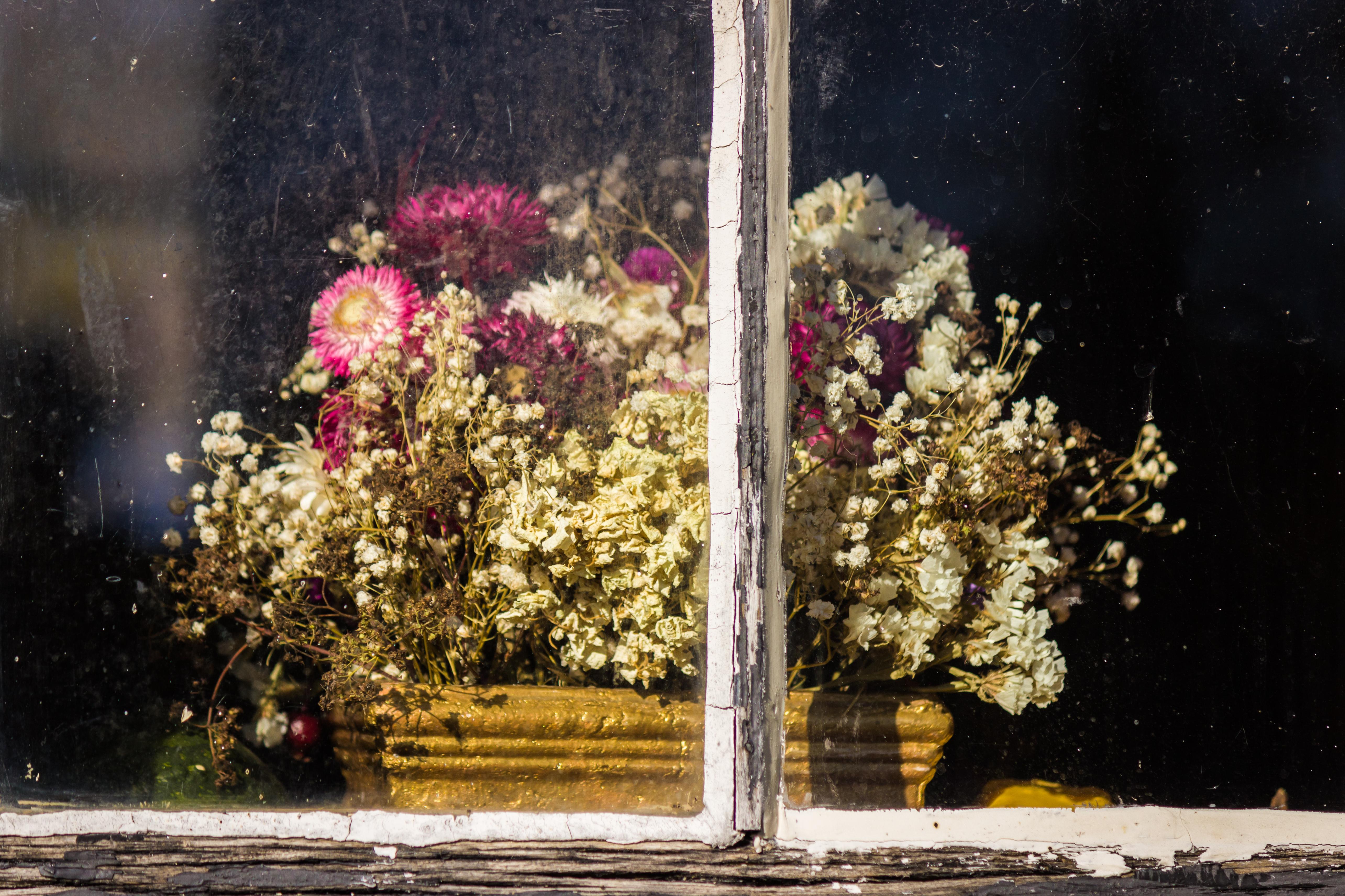 Rustic winter flower arrangements